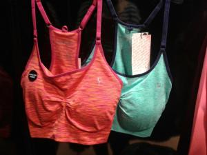 Colorful bras, Primark, € 5,-.