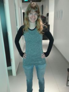 Grey and black top with long sleeves from H&M, €19,99.